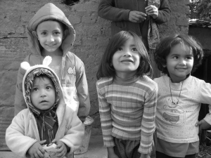 Disse barna vil forhåpentligvis vokse opp i et samfunn uten kastekultur.  Foto: Jonas Iversen