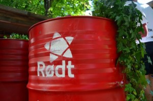Rødt logo on drum