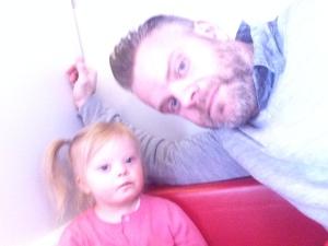 Aleksander med datteren Milla, Foto: privat